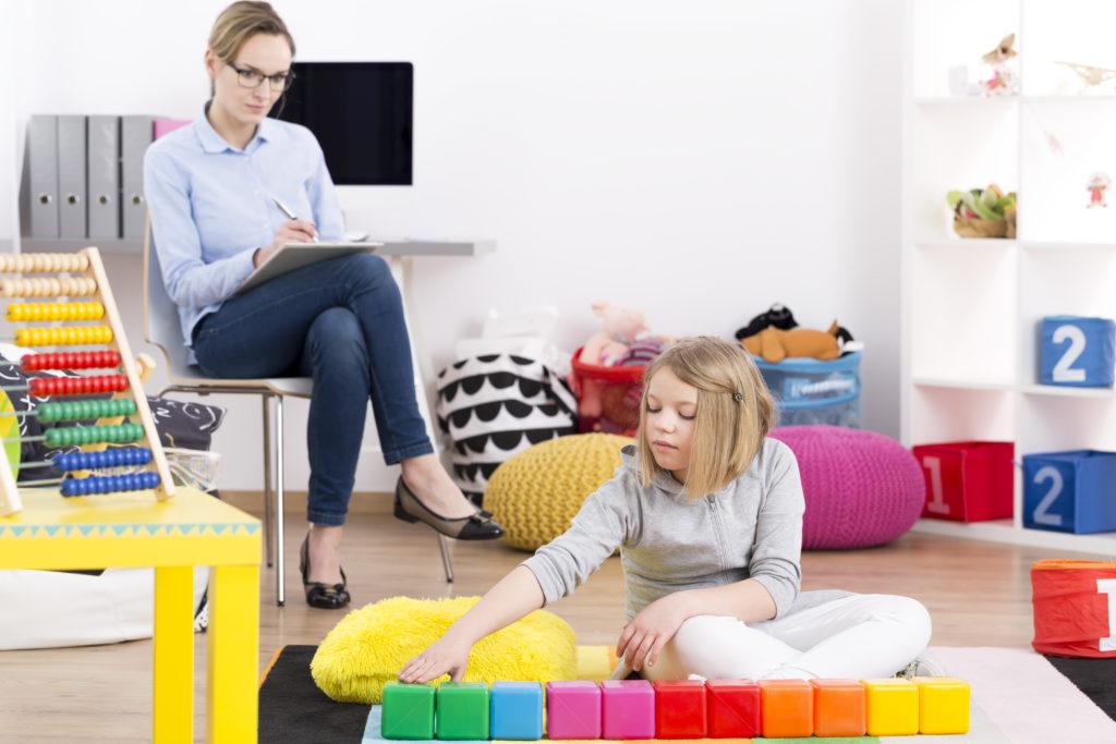 thérapie jeune fille avec une psychanalyste